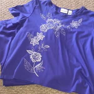 Alfred Dunner Blue Embroidered Top & Capri Set
